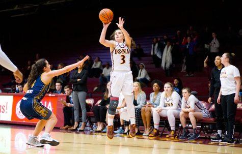 Kristin Mahoney learns to balance basketball, biology