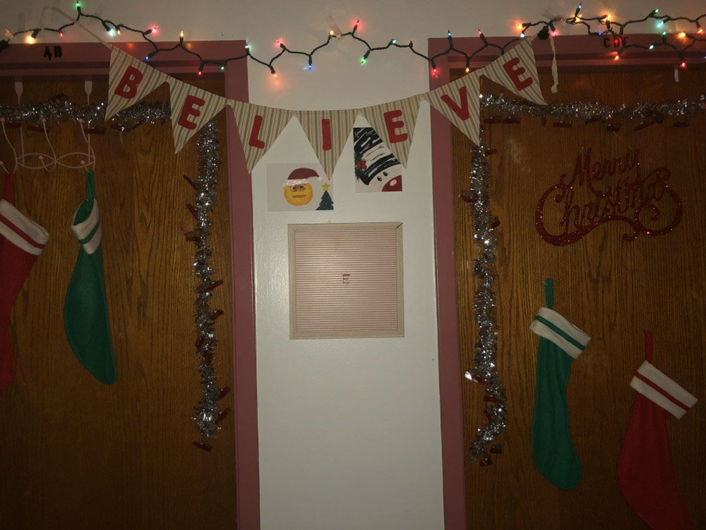 Decorating your dorm with your roommates can make for a fun night of holiday festivities. You can make some holiday snacks, play some Christmas music and start decorating and crafting!