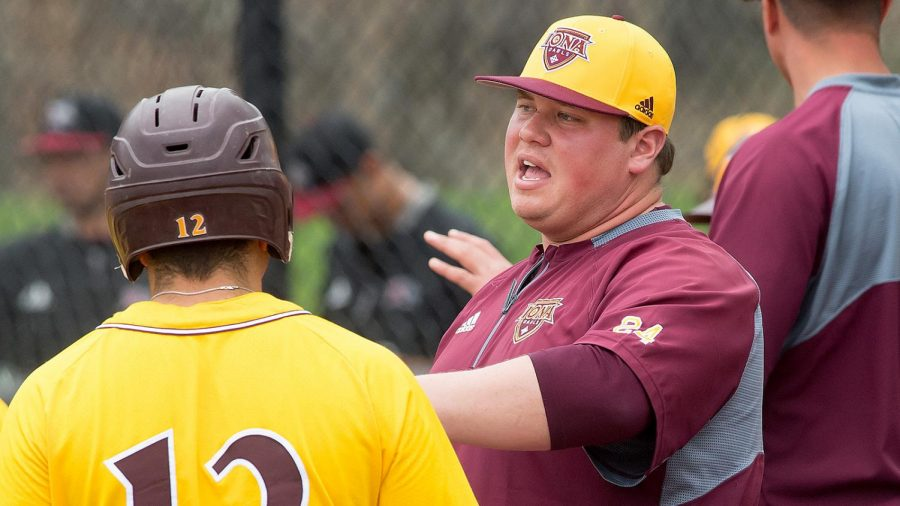 Head Coach Paul Panik led the Gaels to a 14-38 record in his first season at the helm.